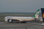 LEGACY-747さんが、上海浦東国際空港で撮影したマーハーン航空 A340-642の航空フォト(飛行機 写真・画像)