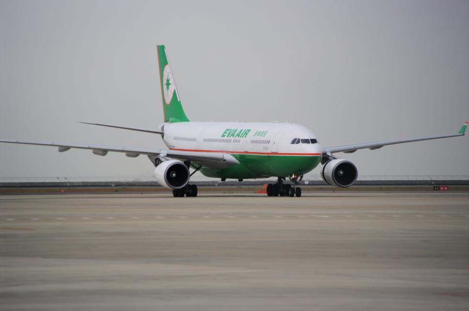 yabyanさんのエバー航空 Airbus A330-200 (B-16311) 航空フォト