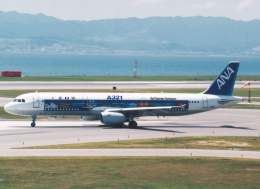 プルシアンブルーさんが、関西国際空港で撮影した全日空 A321-131の航空フォト(飛行機 写真・画像)
