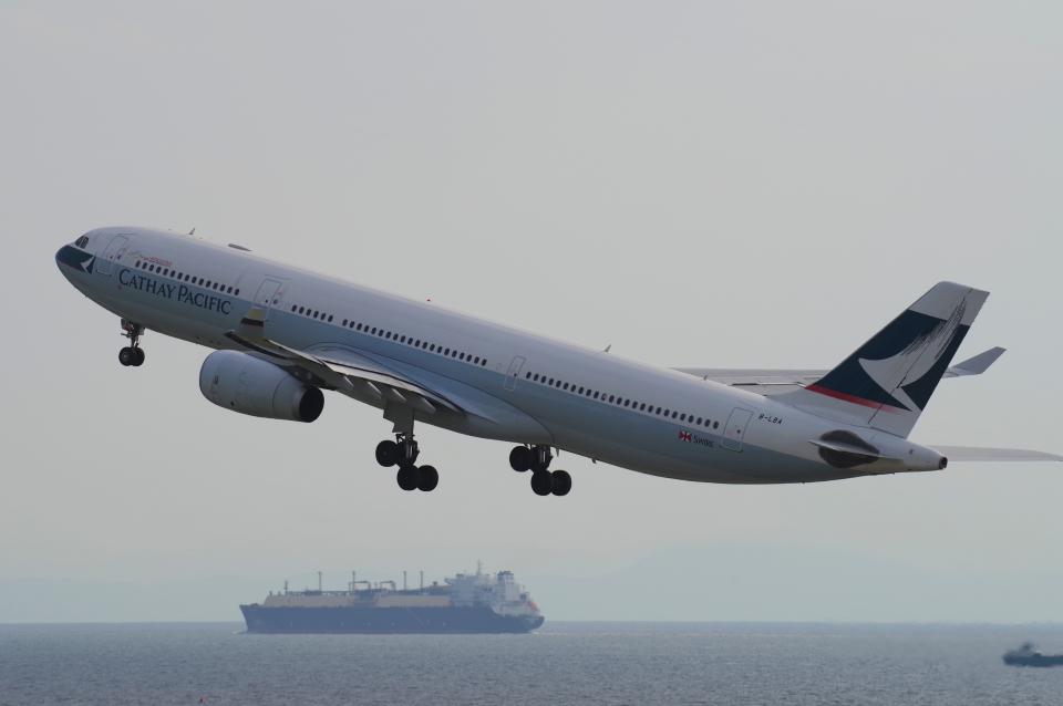 yabyanさんのキャセイパシフィック航空 Airbus A330-300 (B-LBA) 航空フォト