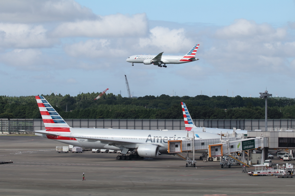 SKYLINEさんのアメリカン航空 Boeing 777-200 (N781AN) 航空フォト