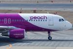 xxxxxzさんが、福岡空港で撮影したピーチ A320-214の航空フォト(飛行機 写真・画像)