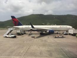 MF8さんが、シリル・E・キング空港で撮影したデルタ航空 757-232の航空フォト(飛行機 写真・画像)