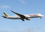 voyagerさんが、ロンドン・ヒースロー空港で撮影したエチオピア航空 A350-941XWBの航空フォト(飛行機 写真・画像)