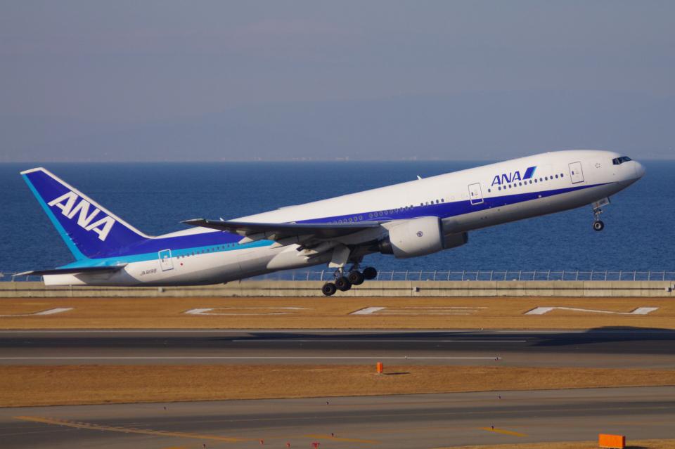 yabyanさんの全日空 Boeing 777-200 (JA8198) 航空フォト