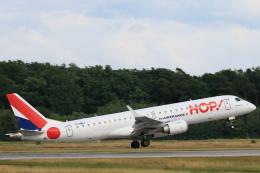 安芸あすかさんが、フランクフルト国際空港で撮影したエールフランス・オップ! ERJ-190-100(ERJ-190STD)の航空フォト(飛行機 写真・画像)