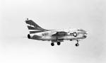 ノビタ君さんが、厚木飛行場で撮影したアメリカ海軍 A-7B Corsair IIの航空フォト(写真)