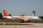とらとらさんが、フランシスコ・サ・カルネイロ空港で撮影したイージージェット A320-214の航空フォト(飛行機 写真・画像)