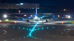 うみBOSEさんが、新千歳空港で撮影した全日空 777-381の航空フォト(写真)