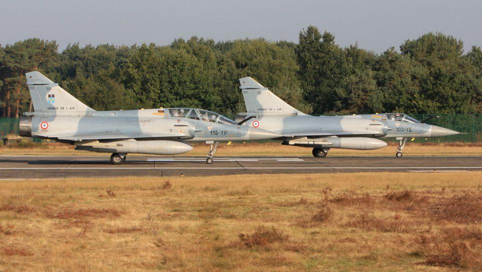cathay451さんのフランス空軍 Dassault Mirage 2000 (526) 航空フォト