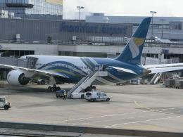 ヒロリンさんが、フランクフルト国際空港で撮影したオマーン航空 787-8 Dreamlinerの航空フォト(飛行機 写真・画像)