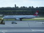 ヒロリンさんが、ウィーン国際空港で撮影したターキッシュ・エアラインズ A321-232の航空フォト(写真)