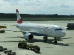 ヒロリンさんが、ウィーン国際空港で撮影したオーストリア航空 A320-214の航空フォト(写真)