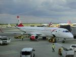 ヒロリンさんが、ウィーン国際空港で撮影したオーストリア航空 ERJ-190-200 LR (ERJ-195LR)の航空フォト(写真)