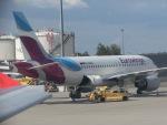 ヒロリンさんが、ウィーン国際空港で撮影したユーロウイングス A319-112の航空フォト(写真)