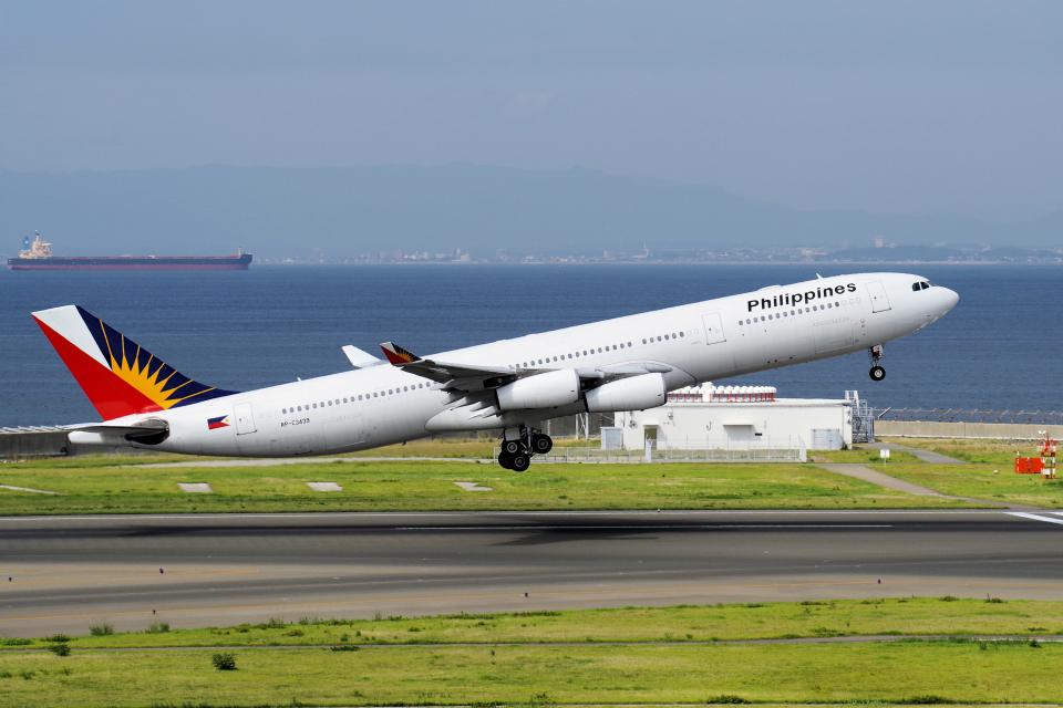 yabyanさんのフィリピン航空 Airbus A340-300 (RP-C3439) 航空フォト