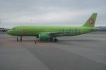 職業旅人さんが、ウラジオストク空港で撮影したS7航空 A320-214の航空フォト(写真)