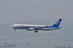tupolevさんが、香港国際空港で撮影した全日空 767-381/ERの航空フォト(写真)
