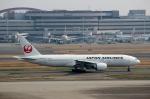 ハピネスさんが、羽田空港で撮影した日本航空 777-246/ERの航空フォト(写真)