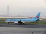 まさ773さんが、関西国際空港で撮影した大韓航空 737-8LHの航空フォト(写真)