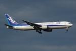 雪虫さんが、新千歳空港で撮影した全日空 767-381の航空フォト(写真)