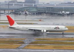 ふじいあきらさんが、羽田空港で撮影した日本航空 767-346の航空フォト(飛行機 写真・画像)