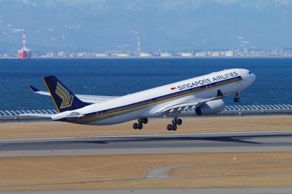 yabyanさんのシンガポール航空 Airbus A330-300 (9V-STG) 航空フォト