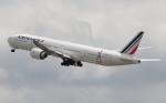 Koenig117さんが、関西国際空港で撮影したエールフランス航空 777-328/ERの航空フォト(写真)