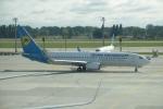 FlyHideさんが、ボルィースピリ国際空港で撮影したウクライナ国際航空 737-8ASの航空フォト(写真)