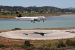 空飛ぶぽん吉☆さんが、コルフ・イオアニス・カポディストリアス空港で撮影したルフトハンザドイツ航空 A320-214の航空フォト(写真)
