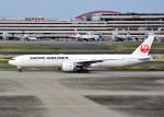 bluesky05さんが、羽田空港で撮影した日本航空 777-346/ERの航空フォト(飛行機 写真・画像)