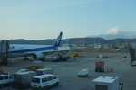 m-takagiさんが、台北松山空港で撮影した全日空 767-381/ERの航空フォト(飛行機 写真・画像)