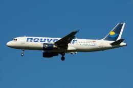 ぼんやりしまちゃんさんが、ブヌコボ国際空港で撮影したヌーべルエア・チュニジア A320-214の航空フォト(飛行機 写真・画像)