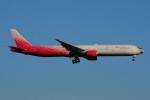 ぼんやりしまちゃんさんが、ブヌコボ国際空港で撮影したロシア航空 777-312の航空フォト(写真)