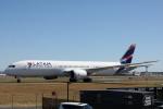 小牛田薫さんが、シドニー国際空港で撮影したラタム・エアラインズ・チリ 787-9の航空フォト(写真)