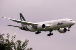 tomobileさんが、成田国際空港で撮影したアリタリア航空 777-243/ERの航空フォト(写真)