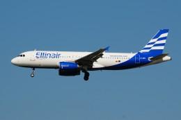 ぼんやりしまちゃんさんが、シェレメーチエヴォ国際空港で撮影したエリンエア A320-231の航空フォト(飛行機 写真・画像)