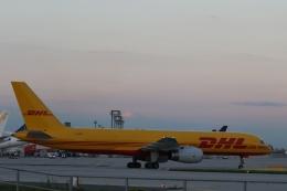 takluftさんが、フランクフルト国際空港で撮影したDHLエア UK 757-236の航空フォト(飛行機 写真・画像)