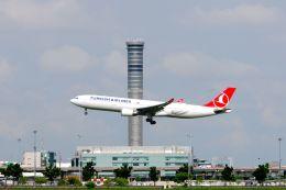 まいけるさんが、スワンナプーム国際空港で撮影したターキッシュ・エアラインズ A330-303の航空フォト(写真)