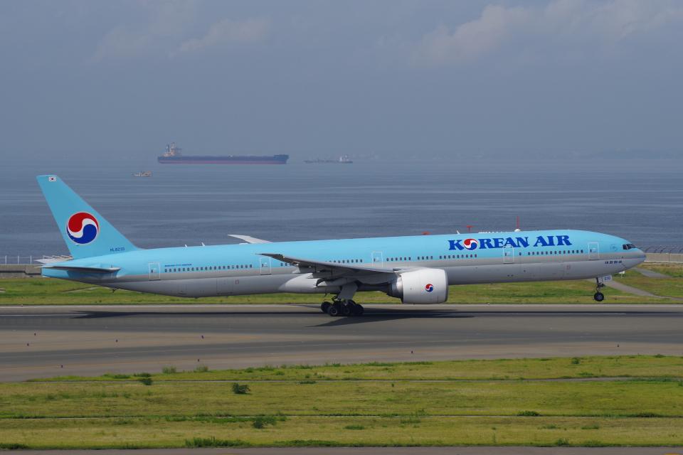 yabyanさんの大韓航空 Boeing 777-300 (HL8210) 航空フォト