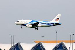 まいけるさんが、スワンナプーム国際空港で撮影したバンコクエアウェイズ A319-132の航空フォト(写真)