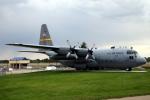 なごやんさんが、シャイアン・リージョナル空港で撮影したWyoming ANG C-130E Herculesの航空フォト(写真)
