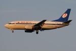 ぼんやりしまちゃんさんが、ドモジェドヴォ空港で撮影したベラヴィア航空 737-5Q8の航空フォト(写真)