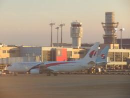 まさ773さんが、台湾桃園国際空港で撮影したマレーシア航空 737-8H6の航空フォト(写真)