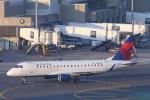 安芸あすかさんが、ジェネラル・エドワード・ローレンス・ローガン国際空港で撮影したシャトル・アメリカ ERJ-175の航空フォト(写真)