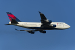 地主さんが、成田国際空港で撮影したデルタ航空 747-451の航空フォト(写真)