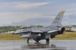 ばとさんが、三沢飛行場で撮影したアメリカ空軍 F-16DM-50-CF Fighting Falconの航空フォト(写真)