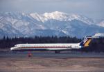 プルシアンブルーさんが、秋田空港で撮影した日本エアシステム MD-81 (DC-9-81)の航空フォト(写真)