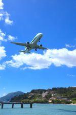 まいけるさんが、コルフ・イオアニス・カポディストリアス空港で撮影したアリタリア・シティライナー ERJ-170-200 (ERJ-175STD)の航空フォト(写真)