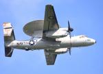 Aurora56さんが、厚木飛行場で撮影したアメリカ海軍 E-2D Advanced Hawkeyeの航空フォト(写真)